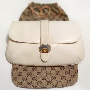 *RARE* VTG GUCCI Creamy White Golden Buckle Clutch